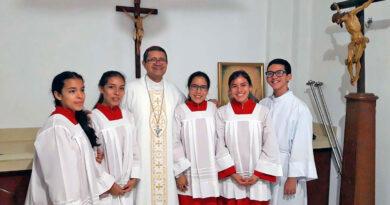 Se establece el ministerio del Catequista